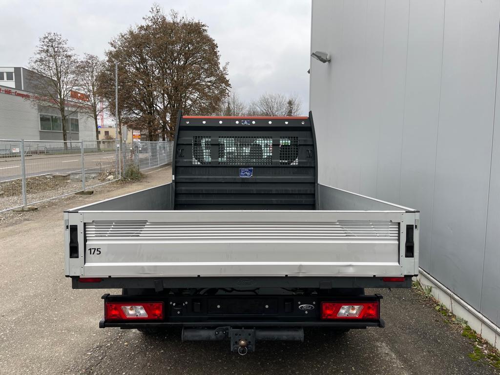 Ford Brueckenwagen Heckansicht-min