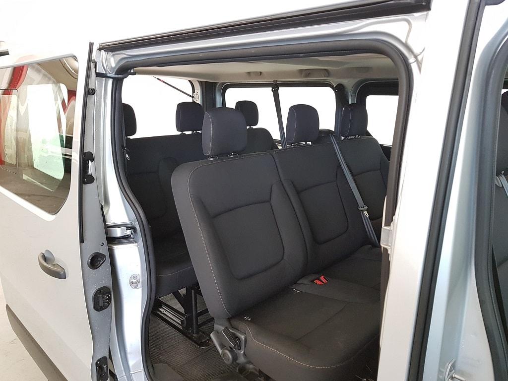 Renault Trafic 9 Plaetzer Sitze hinten