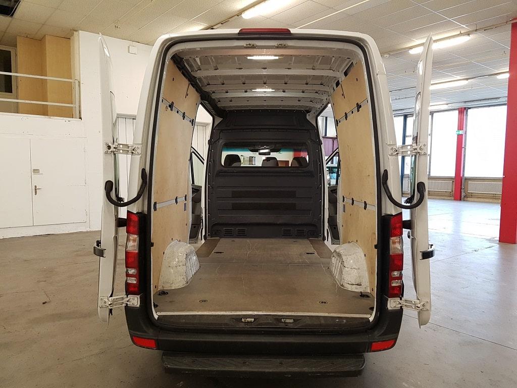 Mercedes Benz 310 Laderaum hinten
