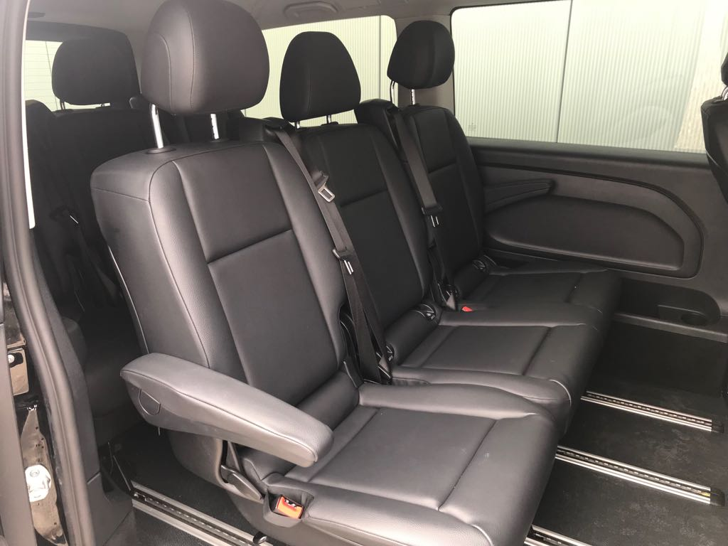 Mercedes Vito Personenbus 9 Plätzer Sitze hinten