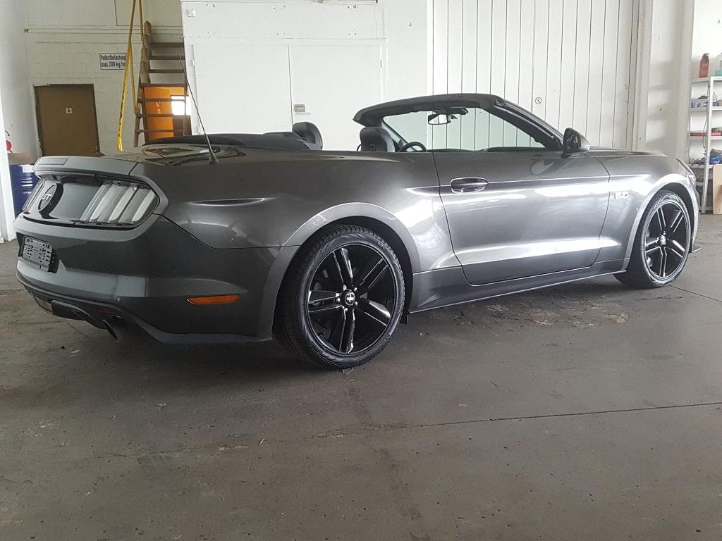 Ford Mustang V8 Cabriolet Seitenansicht